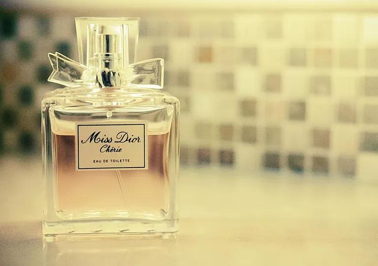 daha kalici parfum icin 15 tuyo